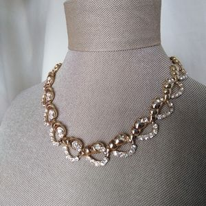 Accessories - Beautiful chocker necklace, gold color